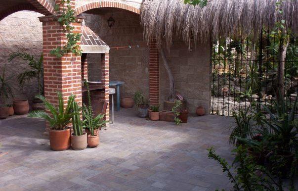 casa colonial patio BBQ